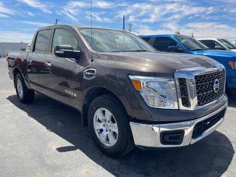 2017 Nissan Titan for sale at DESANTIAGO AUTO SALES in Yuma AZ
