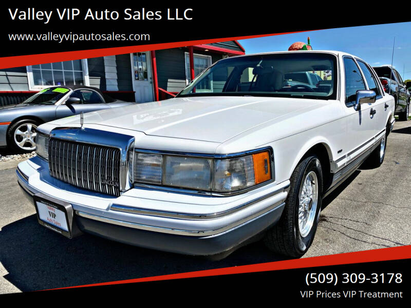 1994 Lincoln Town Car for sale at Valley VIP Auto Sales LLC in Spokane Valley WA