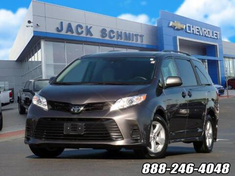 2019 Toyota Sienna for sale at Jack Schmitt Chevrolet Wood River in Wood River IL