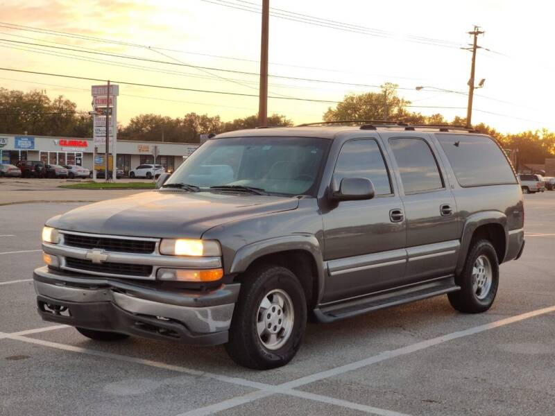 2001 Chevrolet Suburban for sale at Loco Motors in La Porte TX