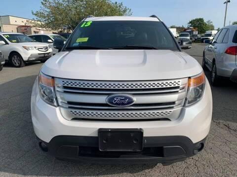 2013 Ford Explorer for sale at Merrimack Motors in Lawrence MA