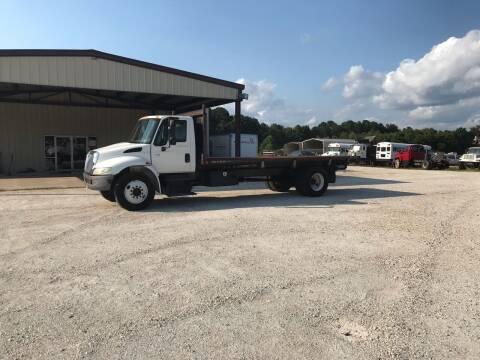 2002 International DuraStar 4400 for sale at Ramsey Truck Sales LLC in Benton AR