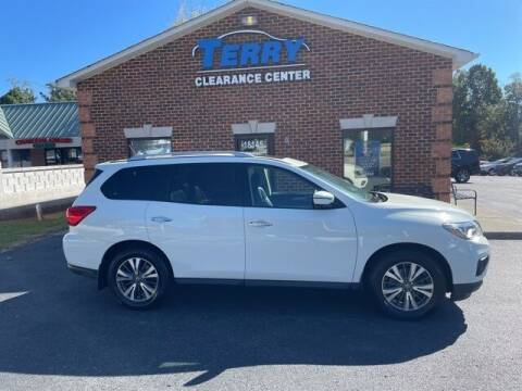 2017 Nissan Pathfinder for sale at Terry Clearance Center in Lynchburg VA