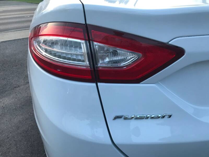 2016 Ford Fusion for sale at Tiger Auto Sales in Columbus OH