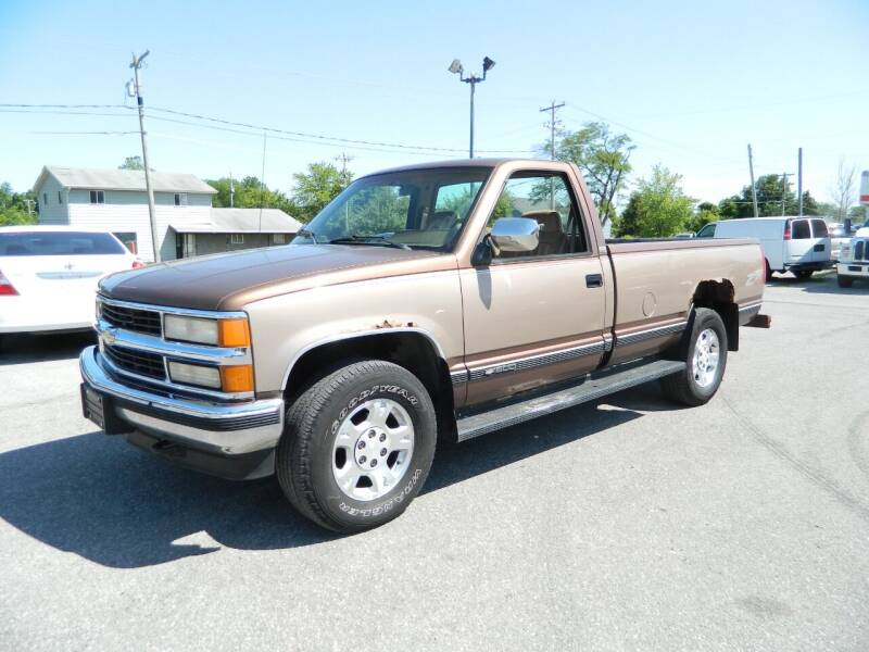1994 Chevrolet C/K 1500 Series for sale at Auto House Of Fort Wayne in Fort Wayne IN