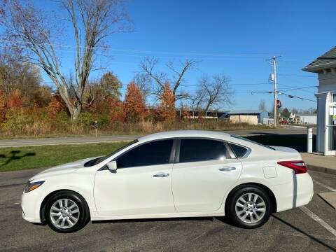 2016 Nissan Altima for sale at Rick's R & R Wholesale, LLC in Lancaster OH