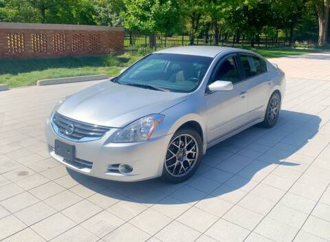 2011 Nissan Altima for sale at Cartopia Auto Sales in St Louis MO