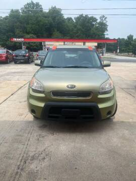 2011 Kia Soul for sale at LAKE CITY AUTO SALES in Forest Park GA