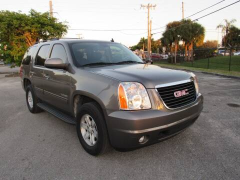 2013 GMC Yukon for sale at United Auto Center in Davie FL