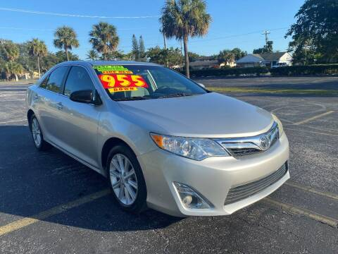 2013 Toyota Camry for sale at Lamberti Auto Collection in Plantation FL