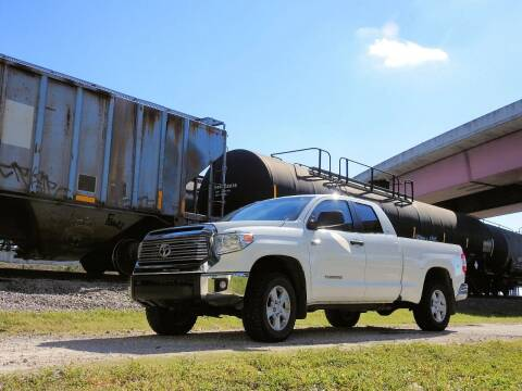 2015 Toyota Tundra for sale at M.D.V. INTERNATIONAL AUTO CORP in Fort Lauderdale FL