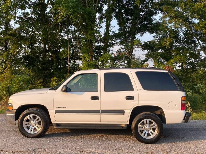 2002 Chevrolet Tahoe for sale at RAYBURN MOTORS in Murray KY