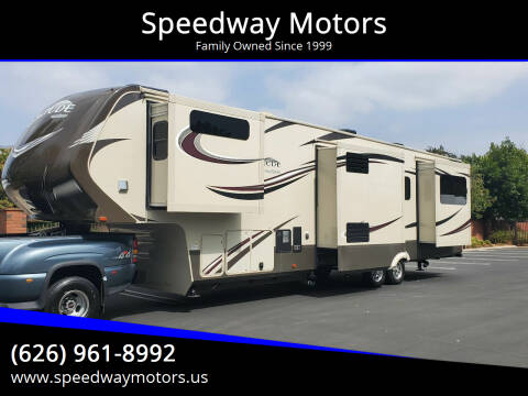 2015 GRAND DESIGN SOLITUDE for sale at Speedway Motors in Glendora CA