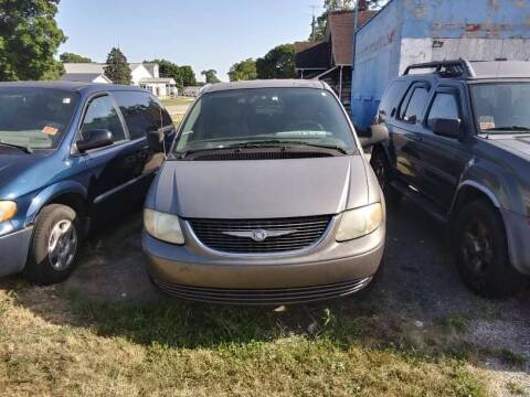 2003 Chrysler Town and Country for sale at New Start Motors LLC in Montezuma IN
