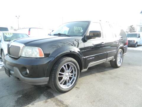 2004 Lincoln Navigator for sale at Auto House Of Fort Wayne in Fort Wayne IN