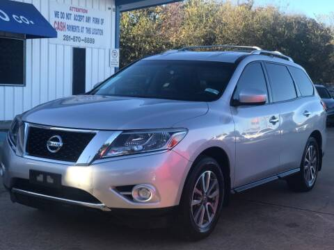 2014 Nissan Pathfinder for sale at Discount Auto Company in Houston TX