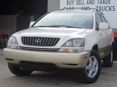 1999 Lexus RX 300 for sale at Deal Maker of Gainesville in Gainesville FL