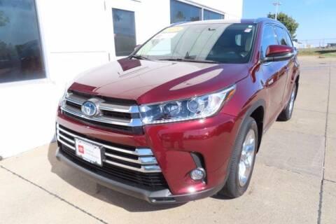 2018 Toyota Highlander Hybrid for sale at HILAND TOYOTA in Moline IL