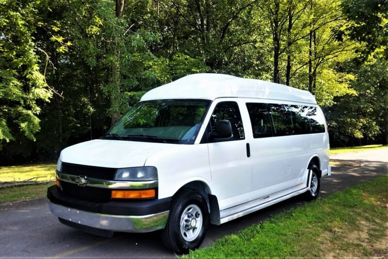 2007 Chevrolet Express Passenger for sale at Brian's Auto Mart in Greenbrier TN