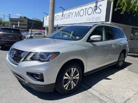 2018 Nissan Pathfinder for sale at Certified Luxury Motors in Great Neck NY