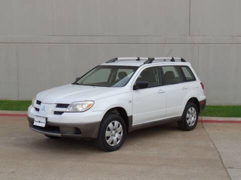 2005 Mitsubishi Outlander for sale at CROWN AUTOPLEX in Arlington TX