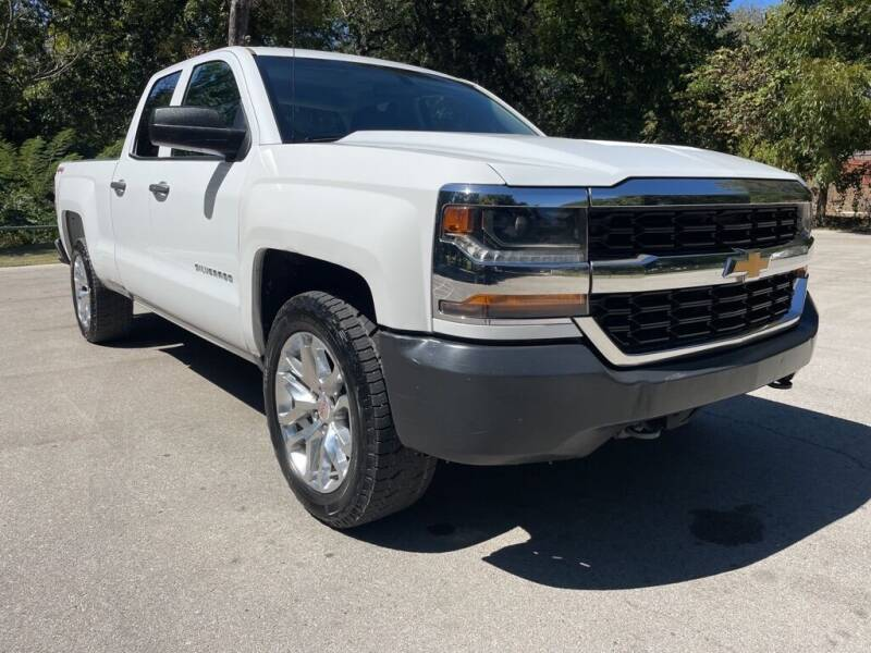 2017 Chevrolet Silverado 1500 for sale at Thornhill Motor Company in Lake Worth TX