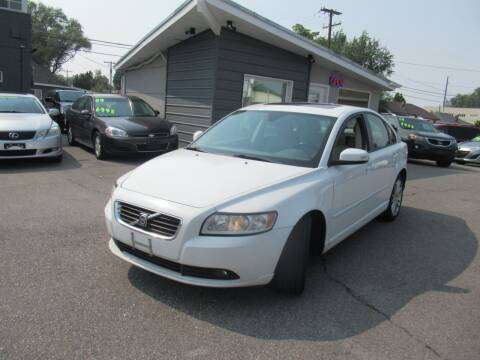 2009 Volvo S40 for sale at Crown Auto in South Salt Lake UT
