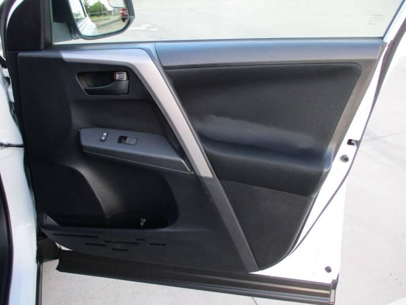 2016 Toyota RAV4 LE 4dr SUV - Bryan TX
