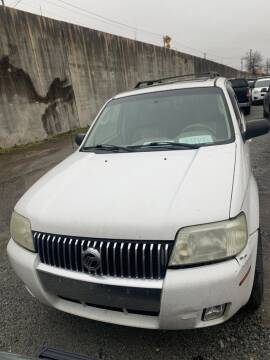 2005 Mercury Mariner for sale at J D USED AUTO SALES INC in Doraville GA