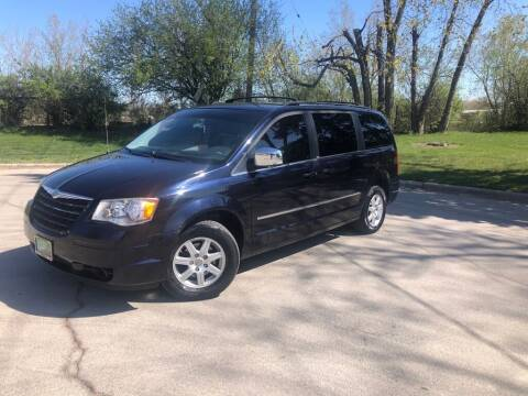 2010 Chrysler Town and Country for sale at 5K Autos LLC in Roselle IL