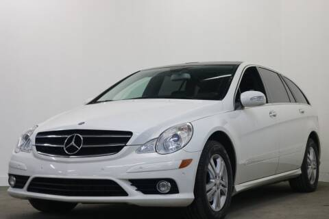 2009 Mercedes-Benz R-Class for sale at Clawson Auto Sales in Clawson MI