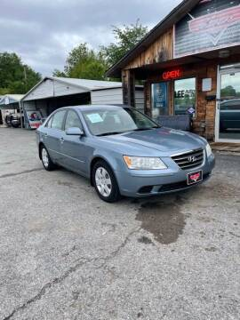 2009 Hyundai Sonata for sale at LEE AUTO SALES in McAlester OK