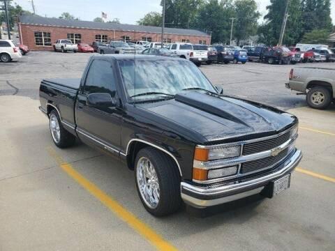 1998 Chevrolet C/K 1500 Series for sale at LeMond's Chevrolet Chrysler in Fairfield IL