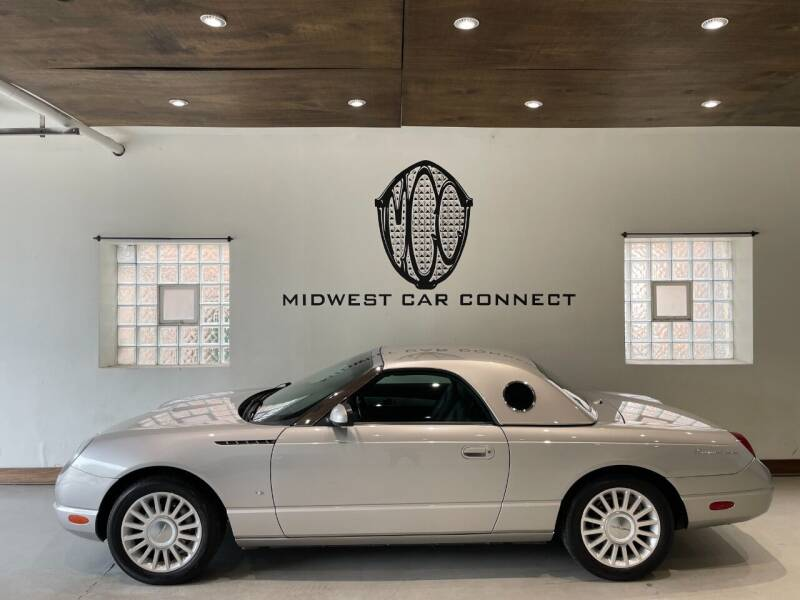 2004 Ford Thunderbird for sale at Midwest Car Connect in Villa Park IL