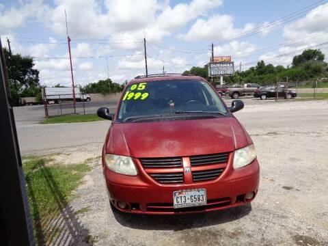 2005 Dodge Grand Caravan for sale at SCOTT HARRISON MOTOR CO in Houston TX