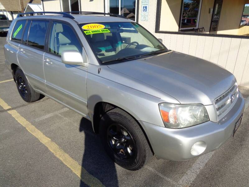 2005 Toyota Highlander for sale at BBL Auto Sales in Yakima WA