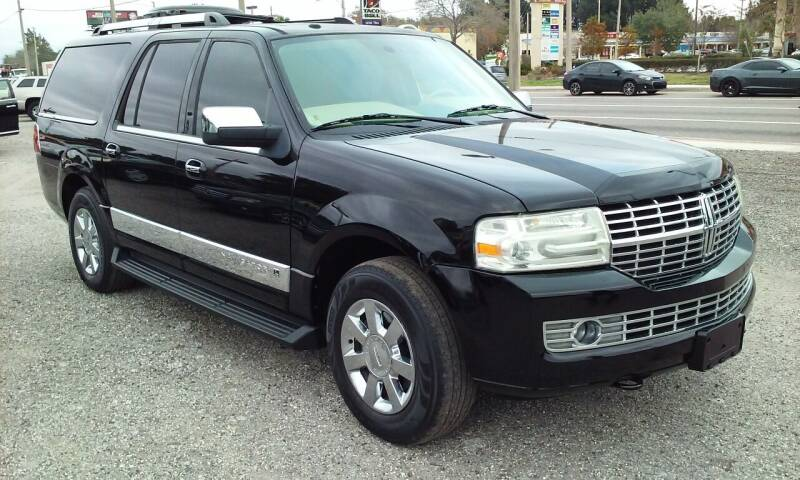 2009 Lincoln Navigator L for sale at Pinellas Auto Brokers in Saint Petersburg FL