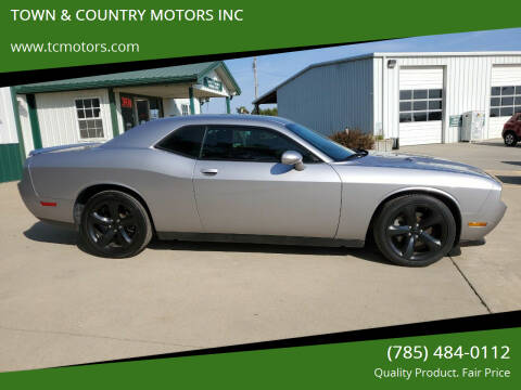 2014 Dodge Challenger for sale at TOWN & COUNTRY MOTORS INC in Meriden KS