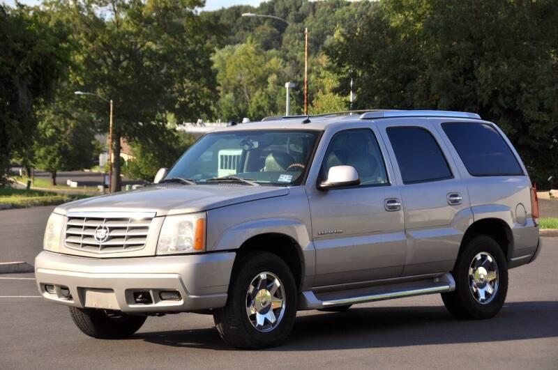 2005 Cadillac Escalade for sale at T CAR CARE INC in Philadelphia PA
