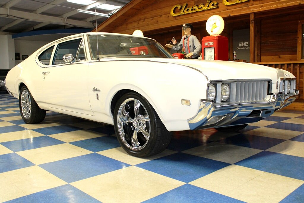 1969 Oldsmobile Cutlass 10