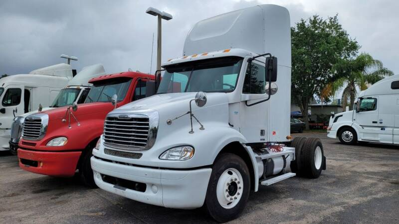 2006 Freightliner Columbia 112 for sale at The Auto Market Sales & Services Inc. in Orlando FL