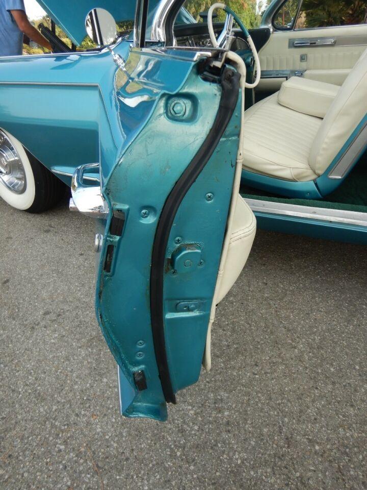 1961 Cadillac Eldorado Biarritz 40