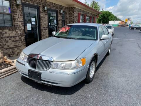 2000 Lincoln Town Car for sale at Smyrna Auto Sales in Smyrna TN