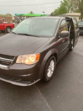 2016 Dodge Grand Caravan for sale at BRYANT AUTO SALES in Bryant AR