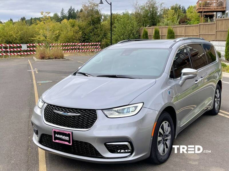 2021 Chrysler Pacifica Hybrid for sale in Portland, OR