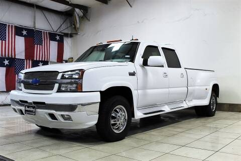 2003 Chevrolet Silverado 3500 for sale at ROADSTERS AUTO in Houston TX
