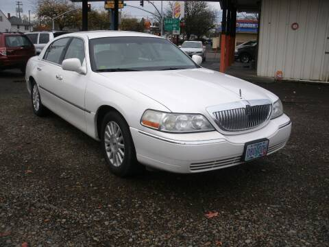 2003 Lincoln Town Car for sale at D & M Auto Sales in Corvallis OR