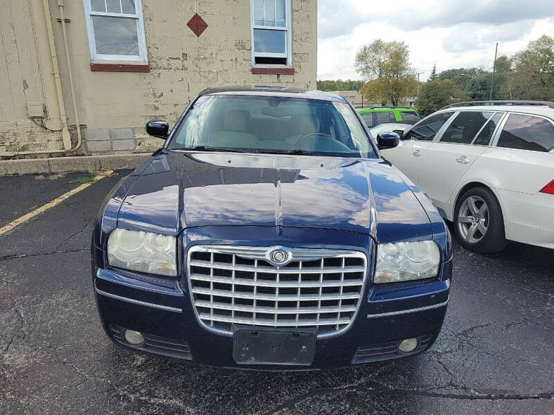 2006 Chrysler 300 for sale at Discovery Auto Sales in New Lenox IL