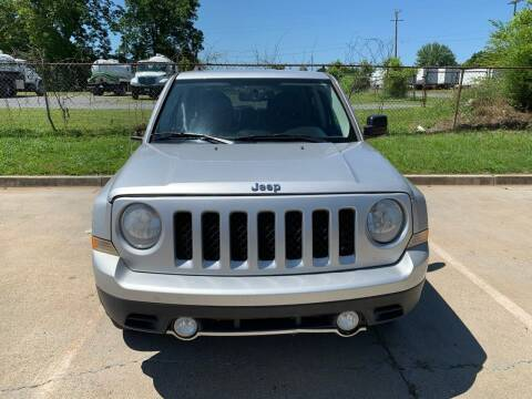 2013 Jeep Patriot for sale at Diana Rico LLC in Dalton GA