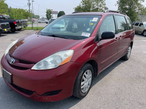 2007 Toyota Sienna for sale at Diana Rico LLC in Dalton GA
